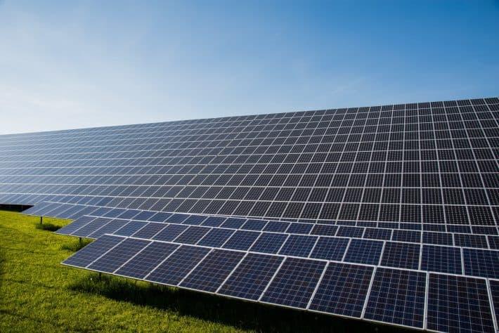 Photo voltaic solar cells