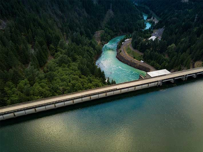 hydro dam carbon neutral