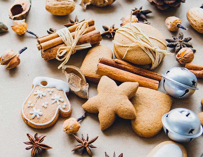 Bake your own plastic-free Christmas decorations