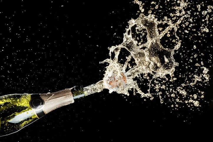 Is Sparkling Wine the Same as Champagne? | Winetraveler.com
