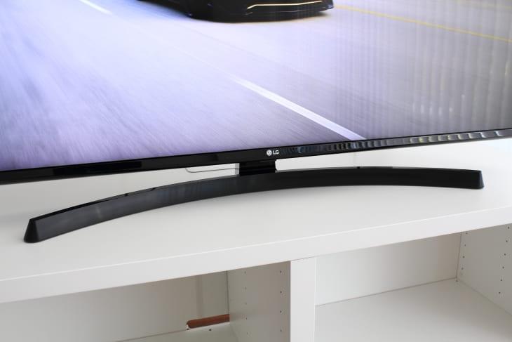 Diseño peana TV LG UK6470PLC