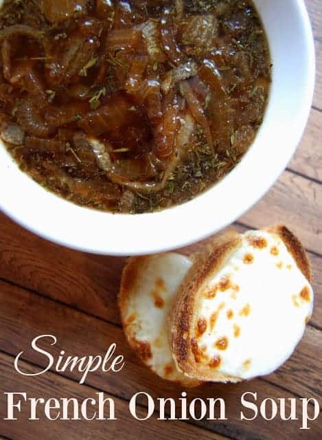 Simple French Onion Soup - Love this recipe! French Onion Soup is my favorite! This recipe has just a few ingredients and all are ones that I have on hand! Love that balsamic vinegar is used instead of wine.#frenchonion #soup #frenchonionsoup #realfood #fallfoods