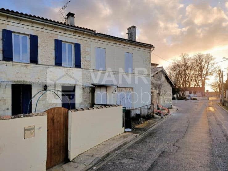 Exclusivité / Saint-Estèphe – Canteloup / Maison de village