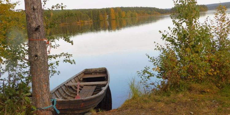 Lapland has a lot of forest and lakes that are pretty in the fall