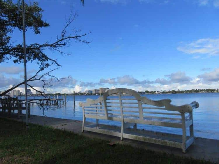 Pretty views are everywhere along the Lake Trail in Palm Beach. (Photo: David Blasco)