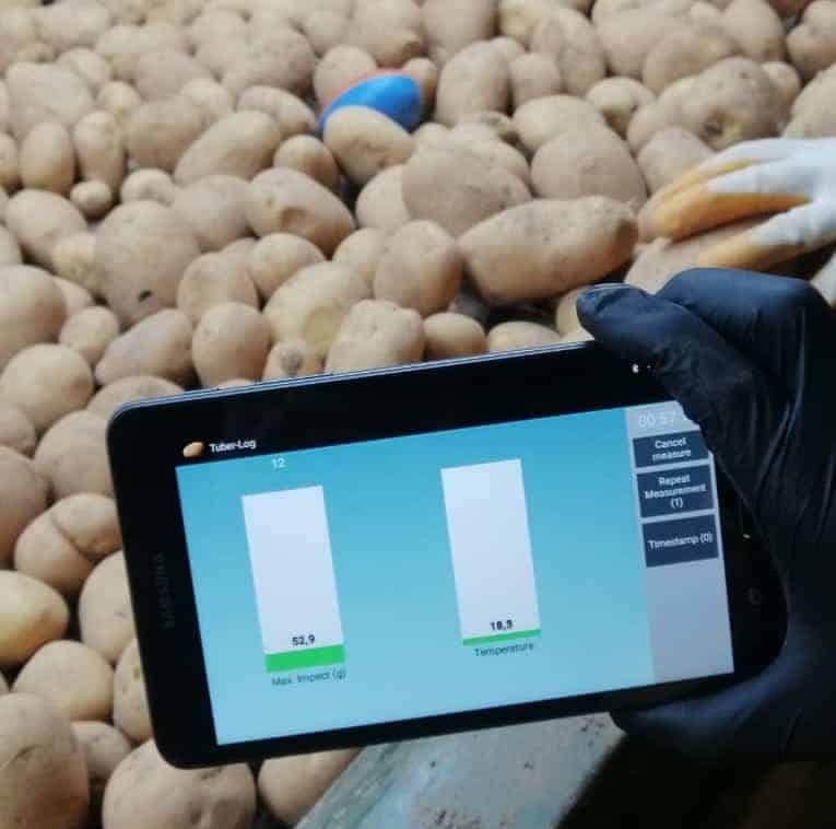The TuberLog electronic potato confirms that this sorting line is running smoothly