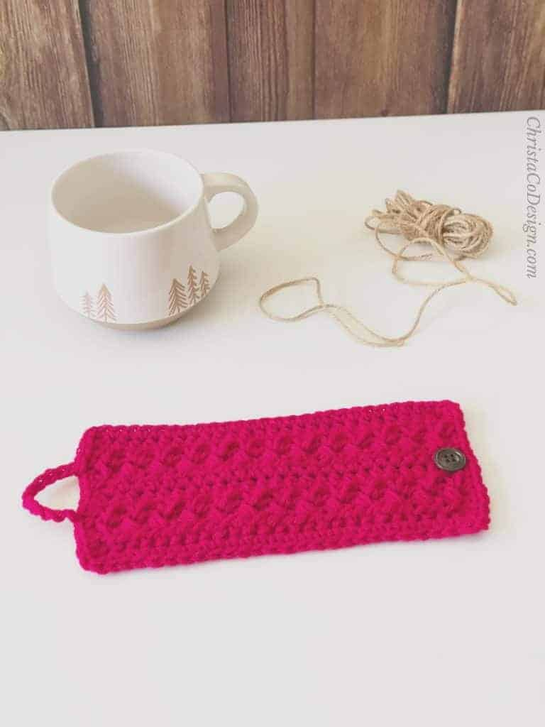 picture of mug cozy in red crochet pattern free