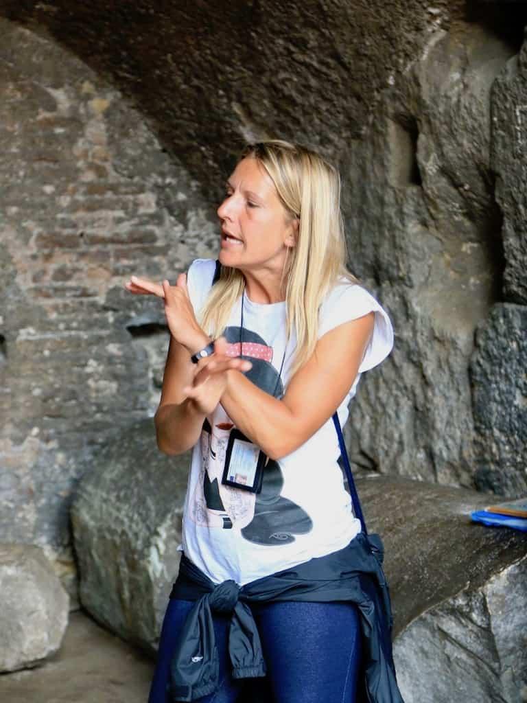 Annett erklärt das Kolosseum