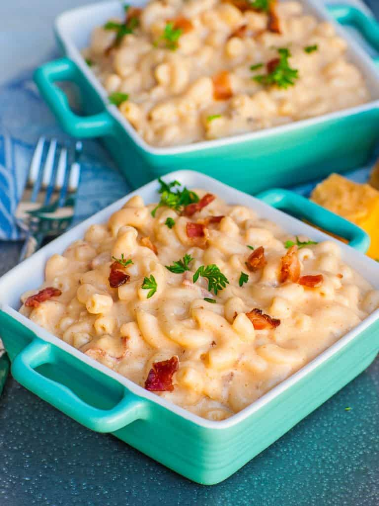 elbow macaroni and cheese pasta dish recipe with bacon