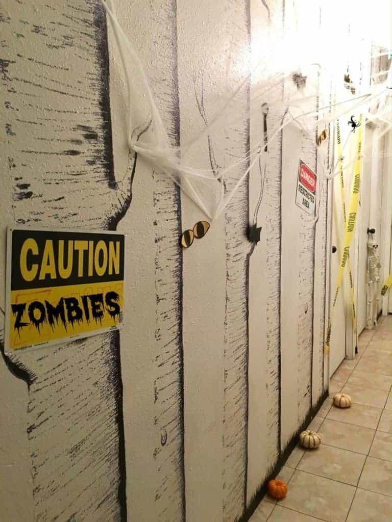 haunted-halloween-hallway-2