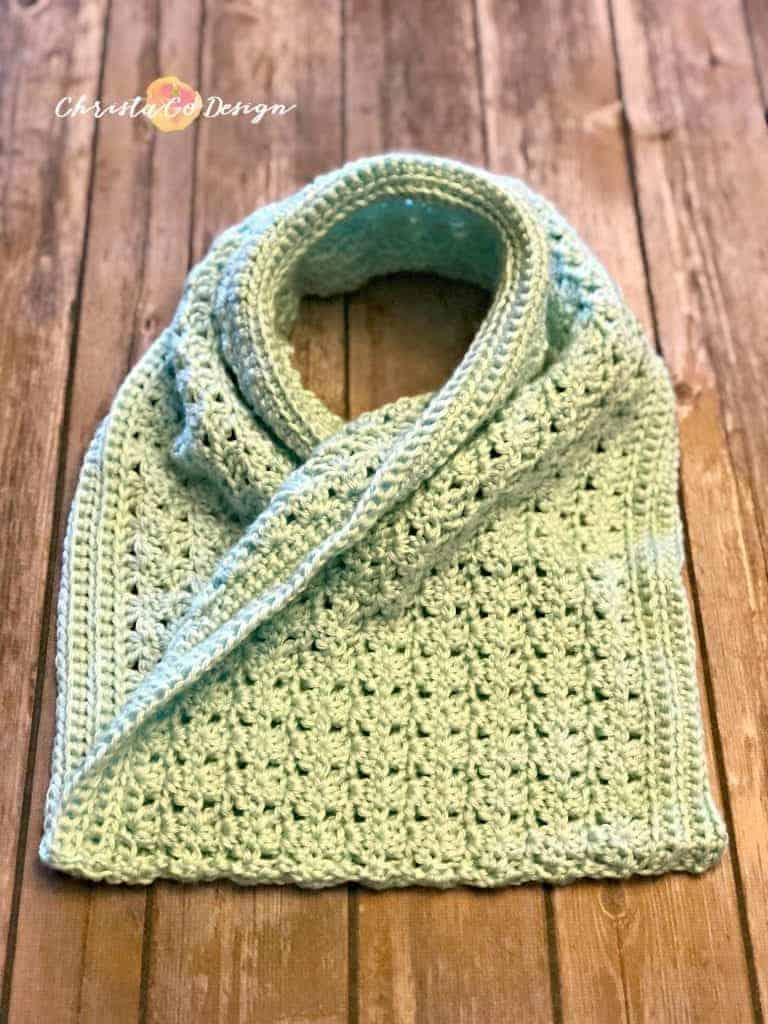 picture of seamed mint green cowl