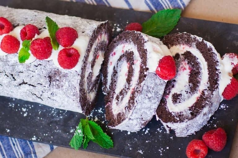 raspberry chocolate swiss roll cake recipe with whipped cream filling
