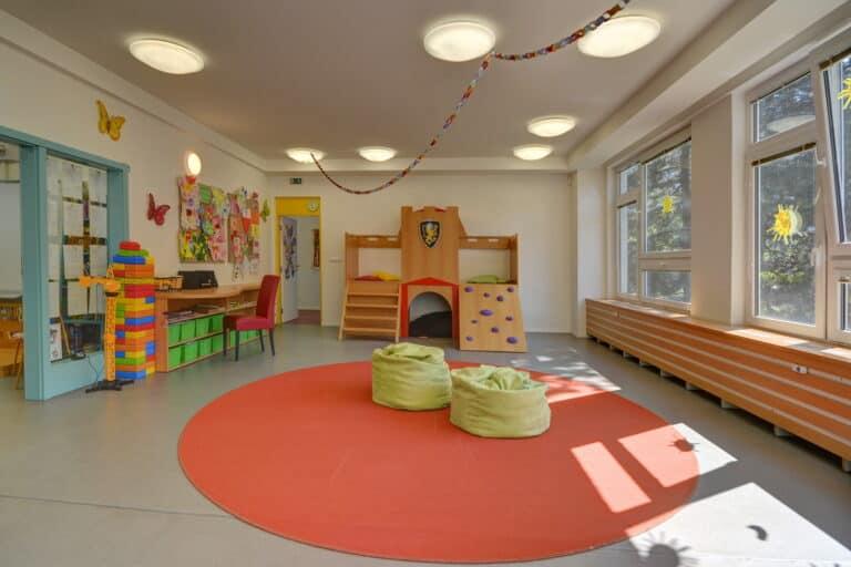Daily schedule in Royal kindergarten