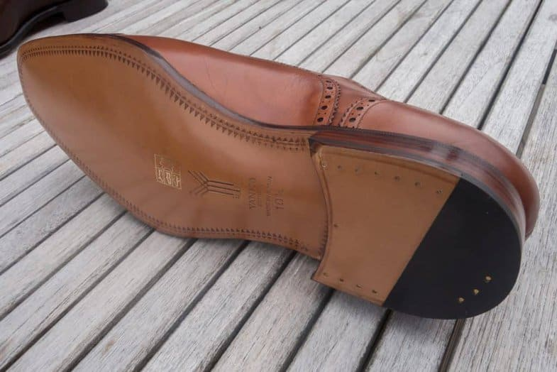 Sole of a Yanko shoe, with closed channel and bevelled waist.