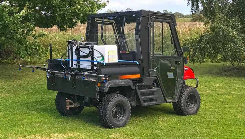 compact demount sprayer for UTV