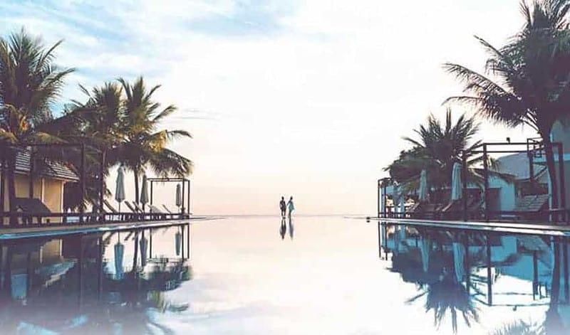sanuk-family-vacation-tropical-paradise-flip-flop-life