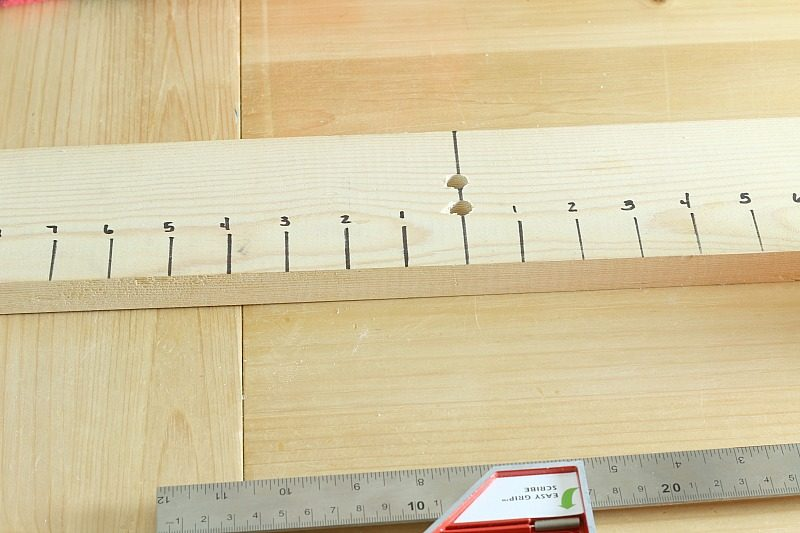 How to make a bow maker board - one inch increments marked with sharpie on each side of center