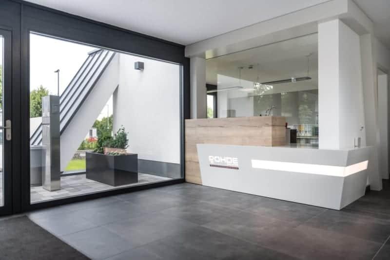 Firmengebäude Eingang Counter