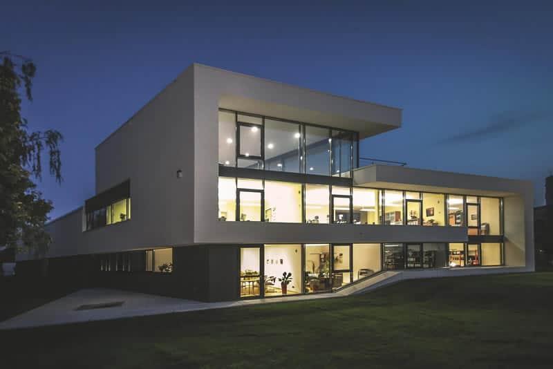 Modernes Bürogebäude bauen