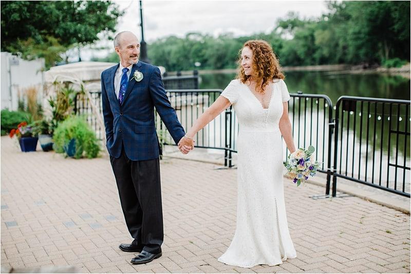 bridal portraits, bride and groom, chicago wedding photographer, bride and groom, wedding, covid-19 wedding, social distancing wedding, Bleuroot restaurant
