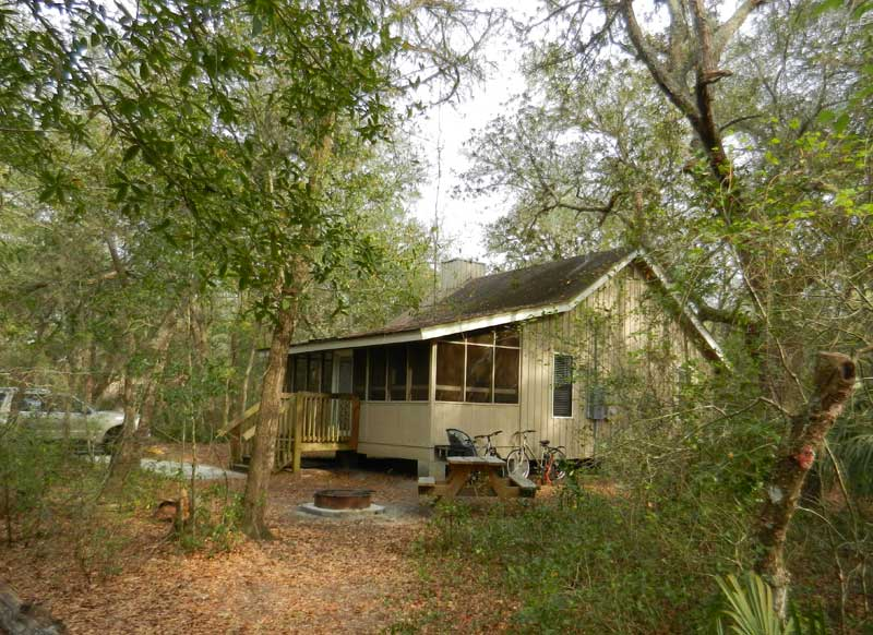 Central Florida cabin rentals: Cabin at Blue Spring State Park near Orlando. (Photo: Bonnie Gross)