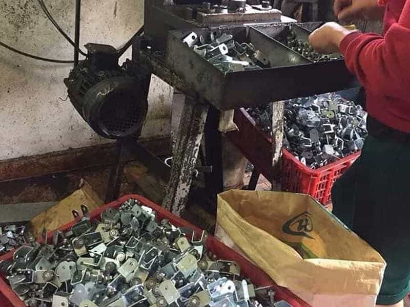 sản xuất phụ kiện mái bạt kéo xếp di động