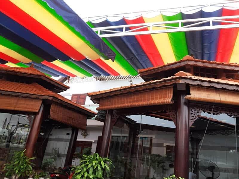 mái bạt kéo xếp che sân nhà chùa