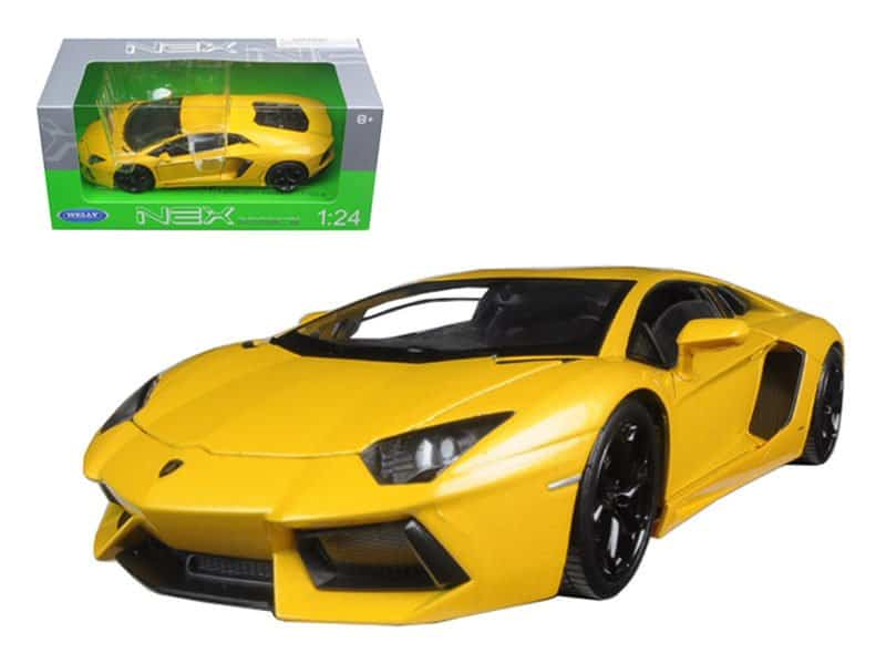 Lamborghini Aventador LP700-4 Yellow 1/24 Diecast Model Car by Welly