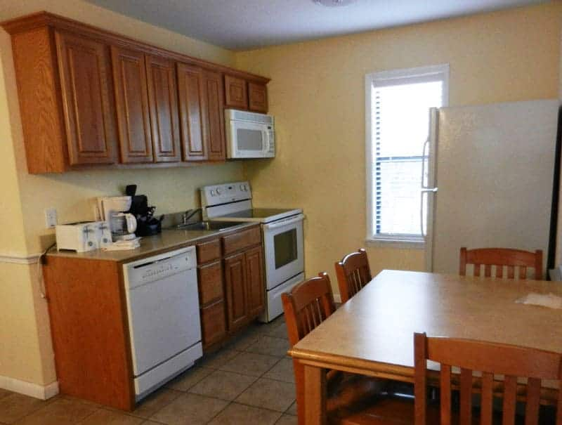 Central Florida cabin rentals: Kitchen area in Blue Spring State Park cabin. (Photo: Bonnie Gross)