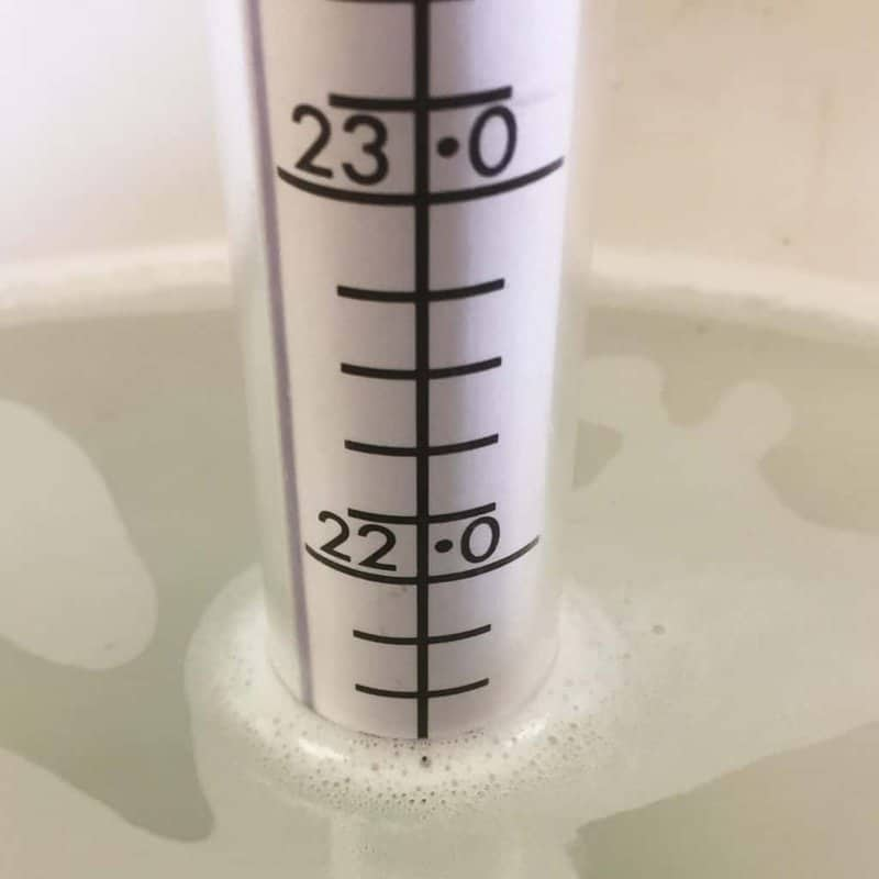 Zeal manual hydrometer takes dry matter readings in water