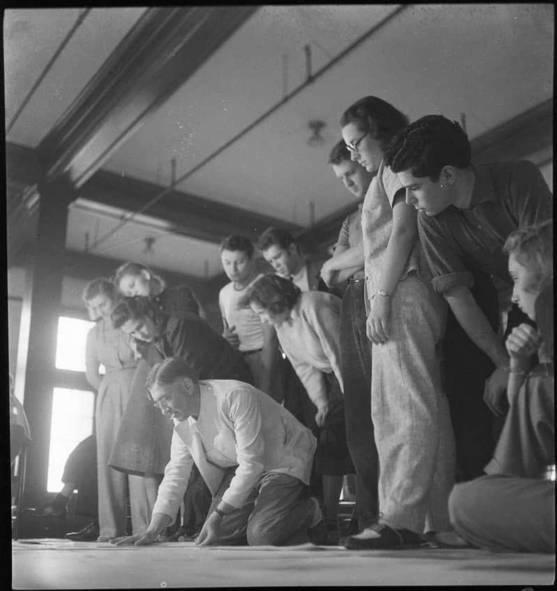 Josef Albers teaching at Black Mountain College, around 1940.
