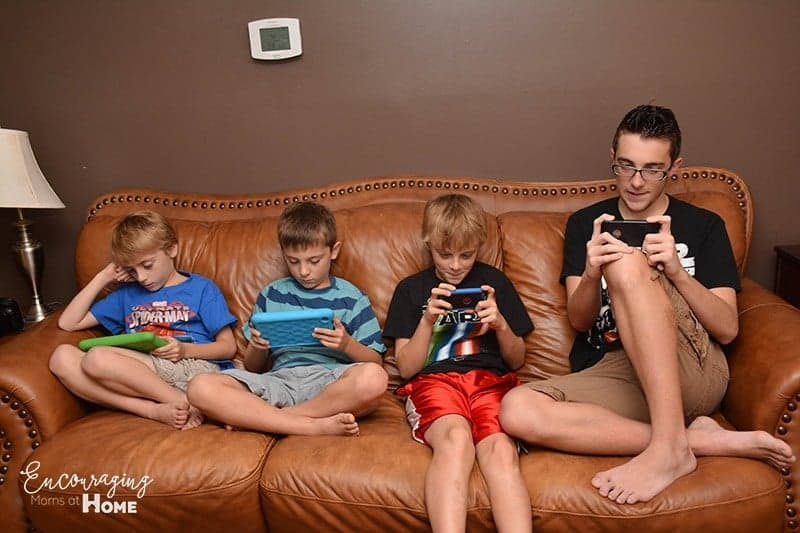 Electronics and Kids - Self-moderate screen time. Handheld Devices.