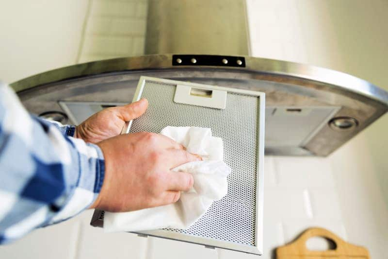 Cleaning stove range hood filter