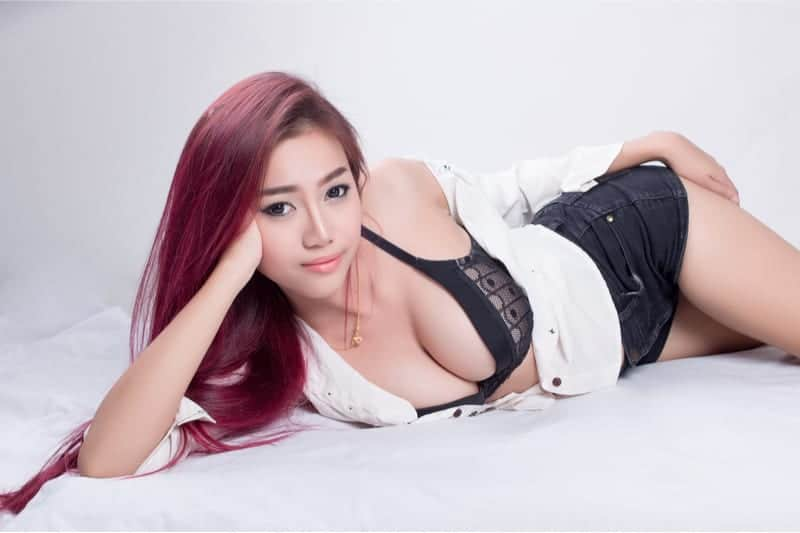 Easy Thai Girls (Fun, Sexy and Better English)