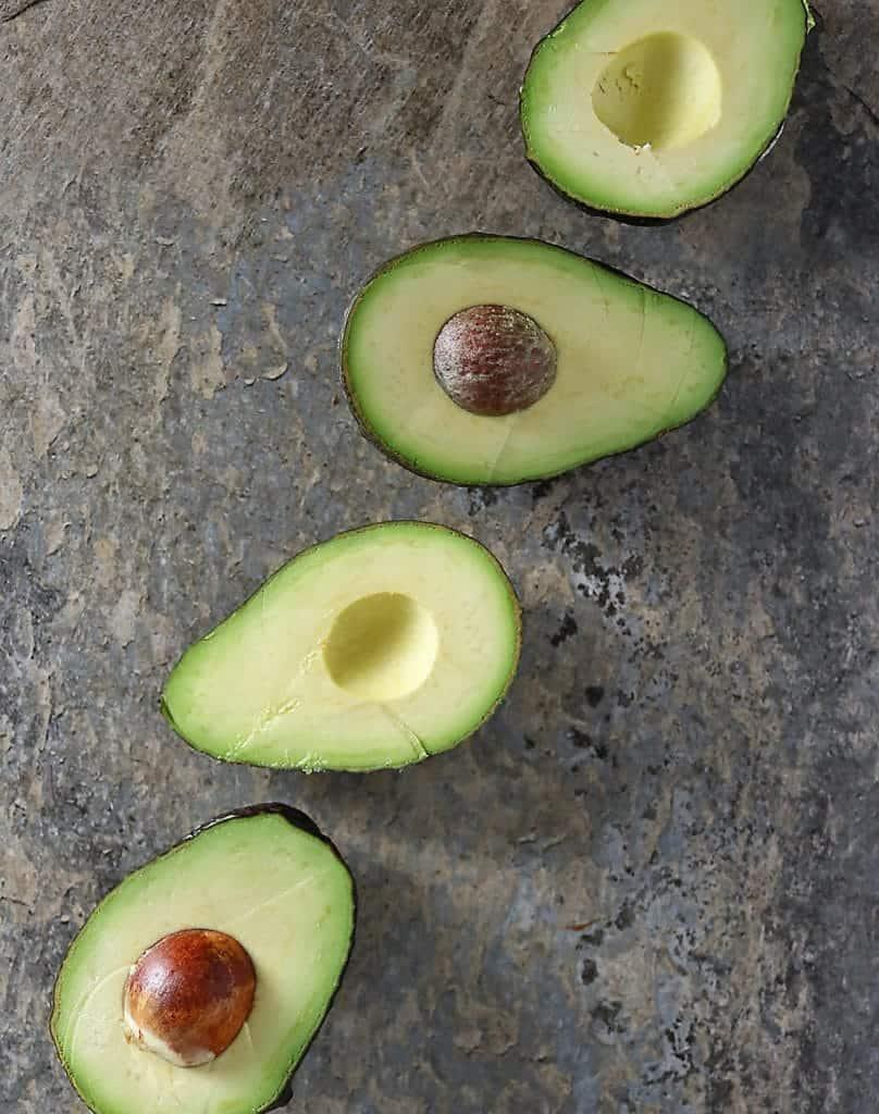 4 avocado halves diagonally placed