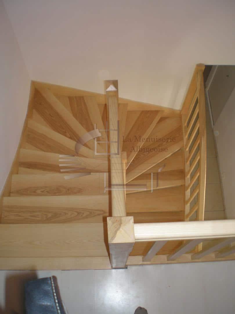 Escalier en bois hélicoïdal