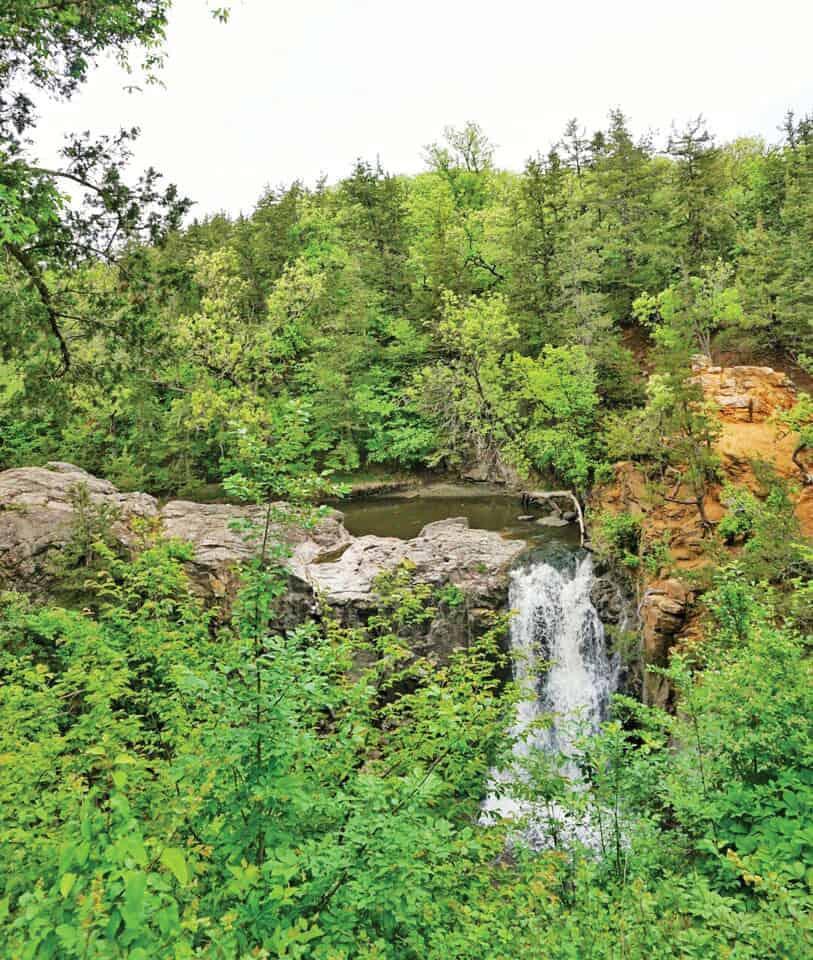 Redwood Falls, Ramsey Park-Canśayapi.