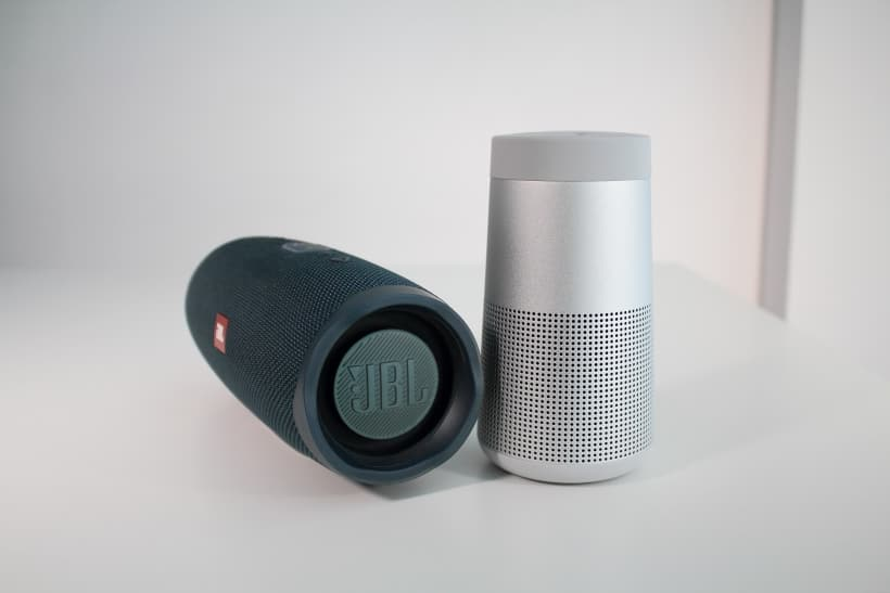 Comparativa Bose SoundLink Revolve vs. JBL Charge 4