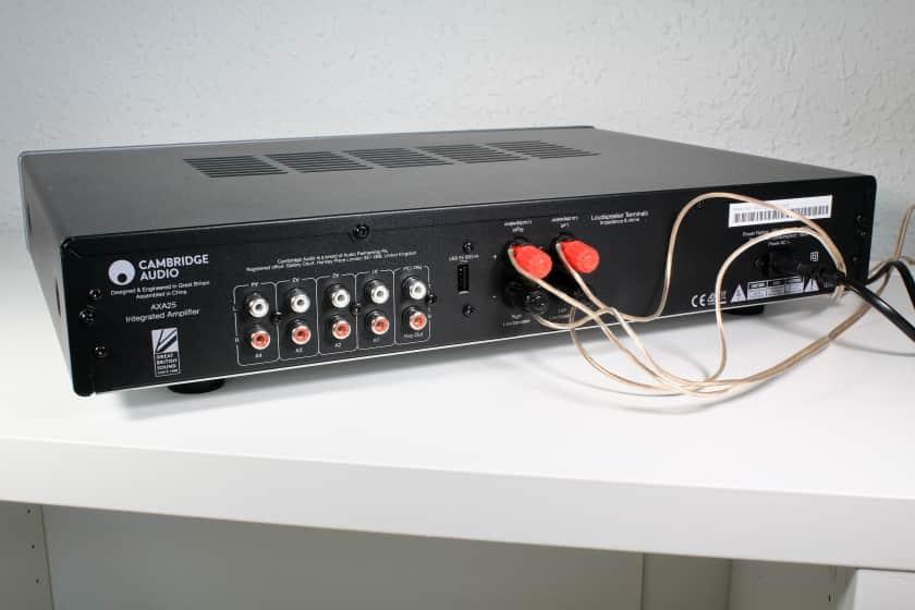 Conexiones del amplificador AXA25 de Cambridge Audio