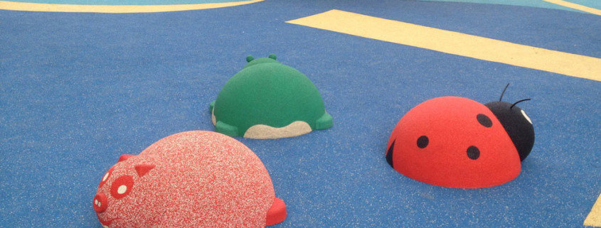 Резиновые фигуры 3D для детской площадки.