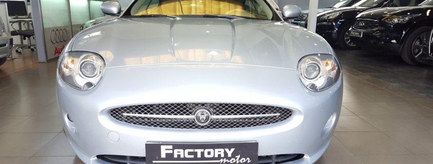 Frontal Jaguar XK8 4.2 Coupe