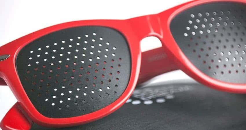 Occhiali stenopeici Classic red Dual Dream © Vista schermi forati