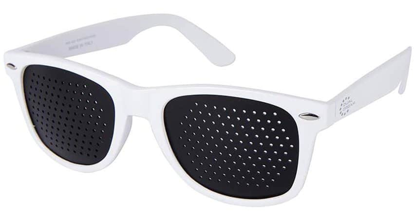 Occhiali stenopeici Classic white Dual Dream © Occhiali forati di qualità italiana per la riabilitazione visiva