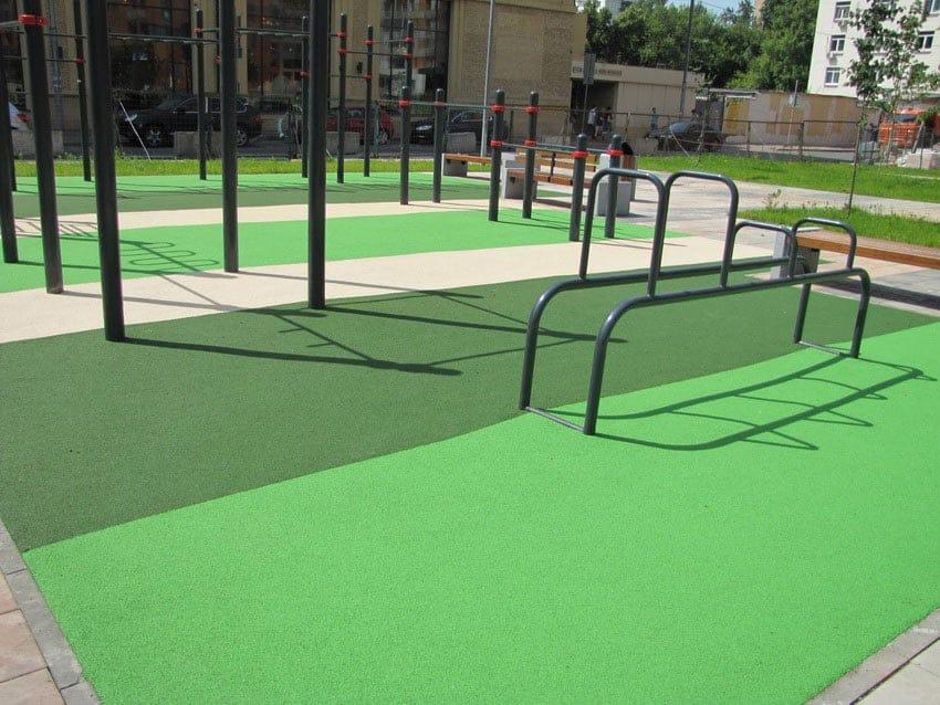 Спортивная площадка из резиновой крошки.