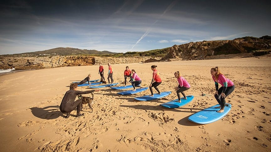 learn to surf lesson beginner