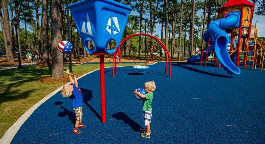 Наливное резиновое покрытие для детских площадок.