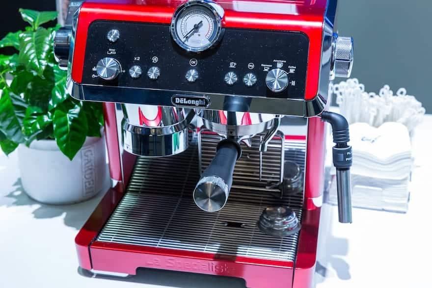 Red De'Longhi La Specialista espresso machine