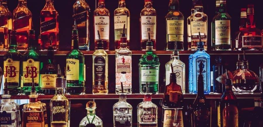 mancave-whisky-rum-drank