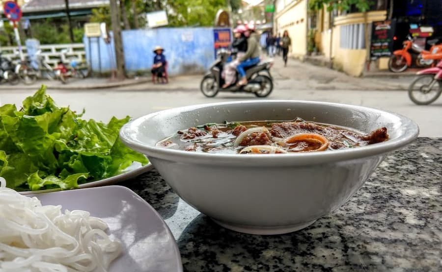 Travel tips Vietnam where and what to eat