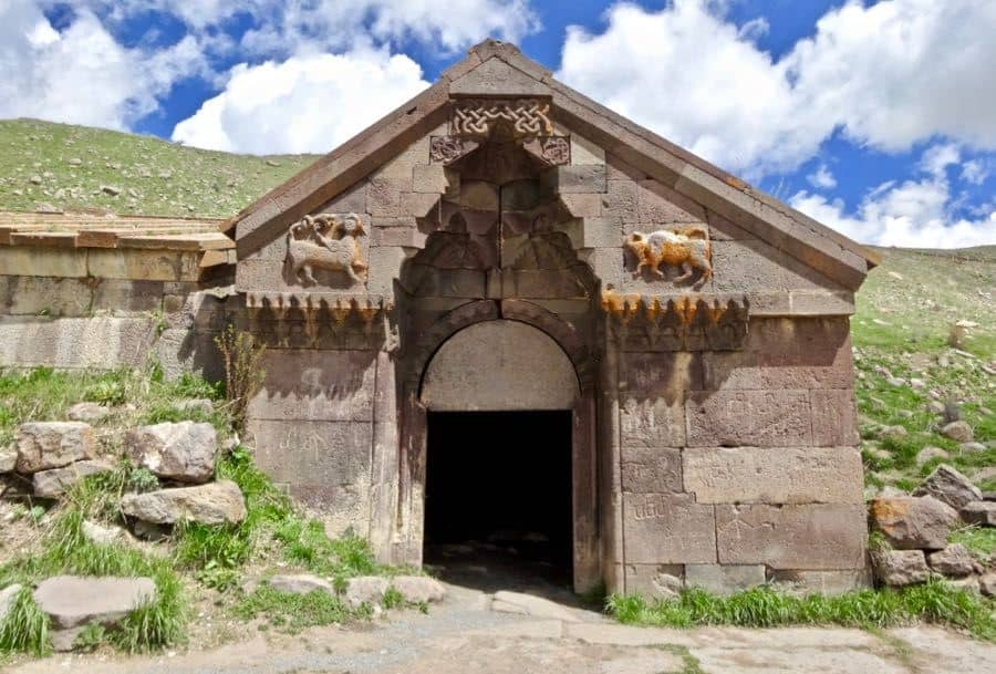 "Caravasar de Orbelian o ""Selim Caravansarai"""